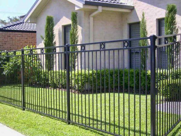Ограда из стали
