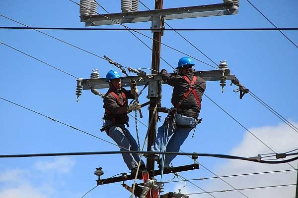 Установка электрических столбов
