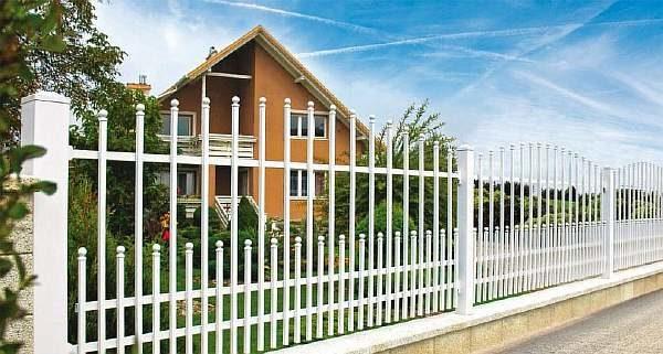 Белая ограда
