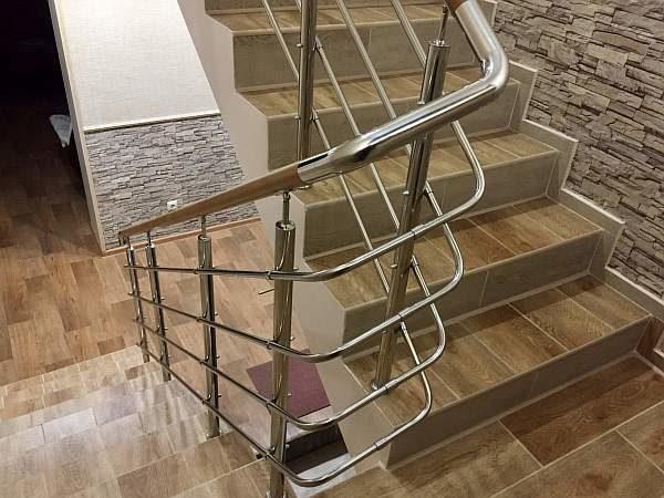 Перила и лестница
