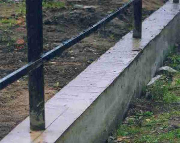 Металлический каркас со столбами