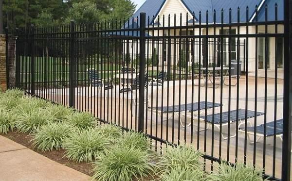 Внутренний забор между соседями