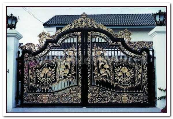 Кованая атрибутика для ворот