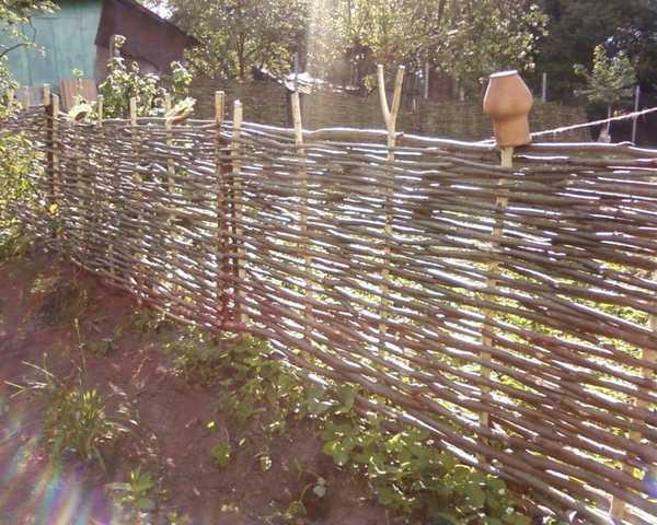 Забор-плетенка