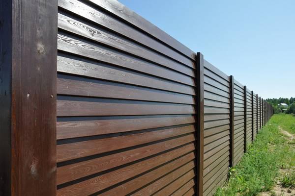 ограда из планкена