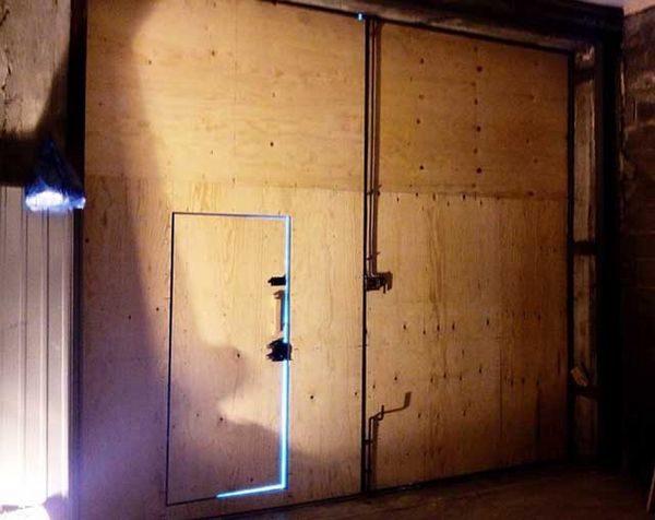 Чем обшить гаражные ворота снаружи и изнутри