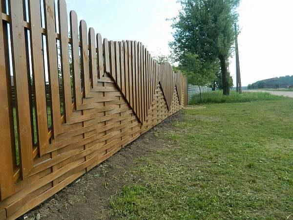 Забор около огорода