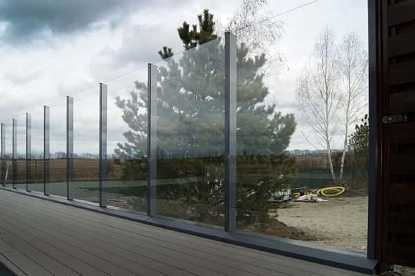 Забор у бассейна