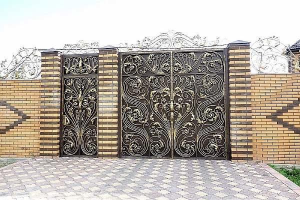 Узоры на воротах