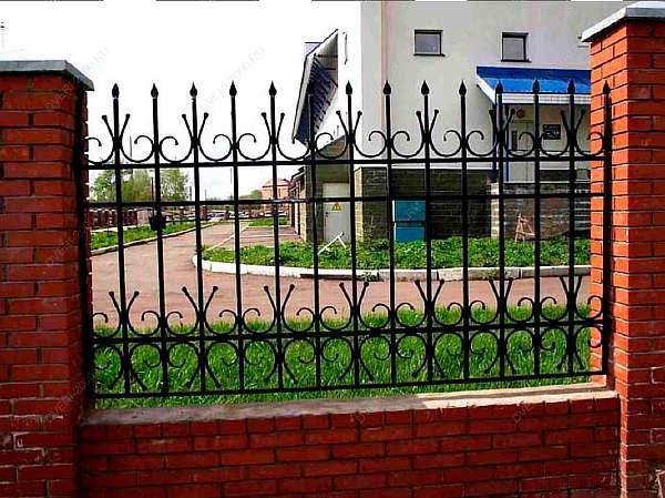 Забор на заводе